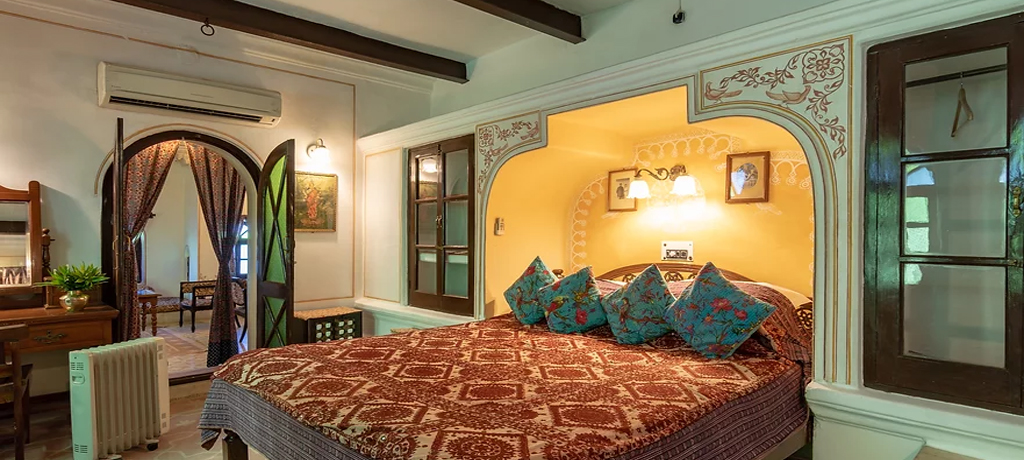 Deogarh Mahal room