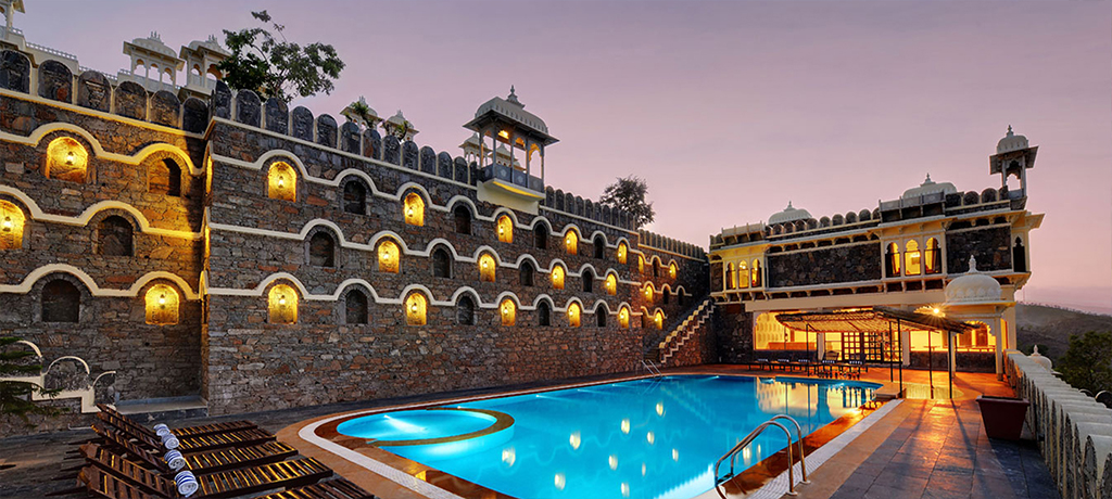 The Kumbha Bagh Palace pool