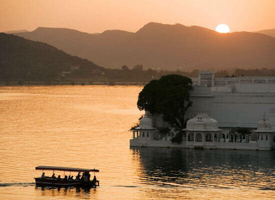 lake pichola at sunset